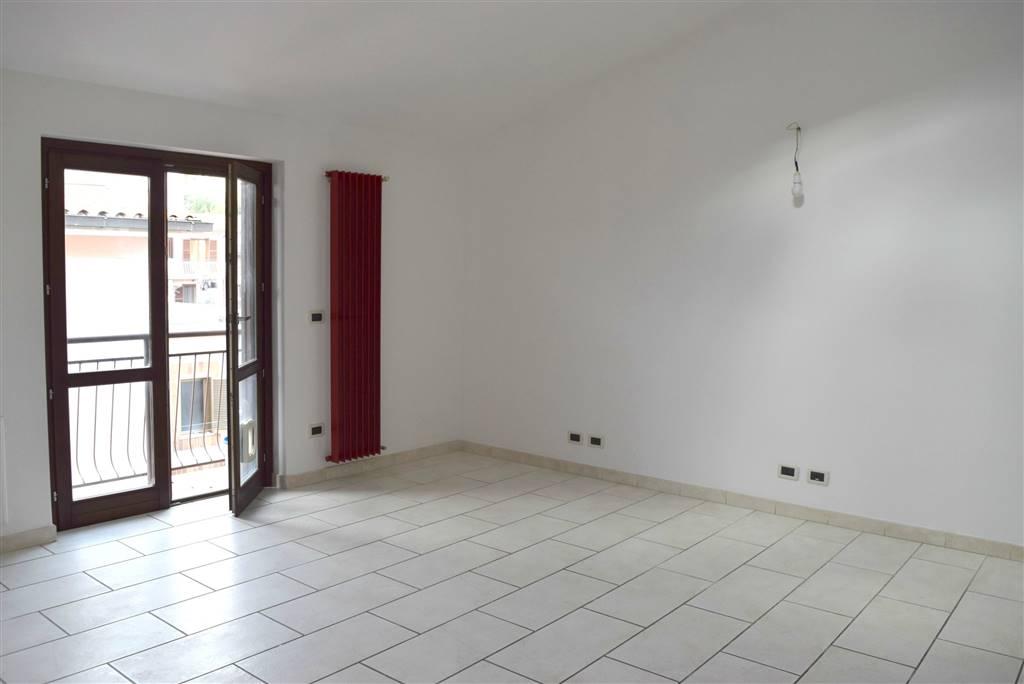 Appartamento in vendita a Capena, 2 locali, zona Località: CENTRO, prezzo € 74.000 | Cambio Casa.it