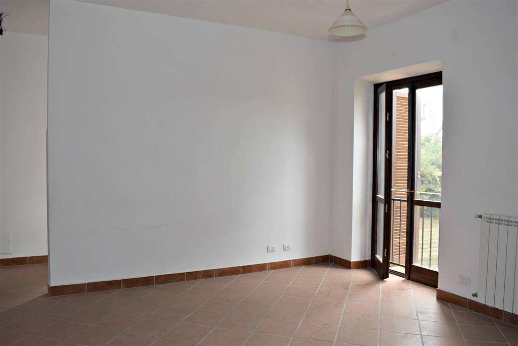 Appartamento in vendita a Capena, 3 locali, zona Località: COLLE DEL FAGIANO, prezzo € 99.000 | Cambio Casa.it