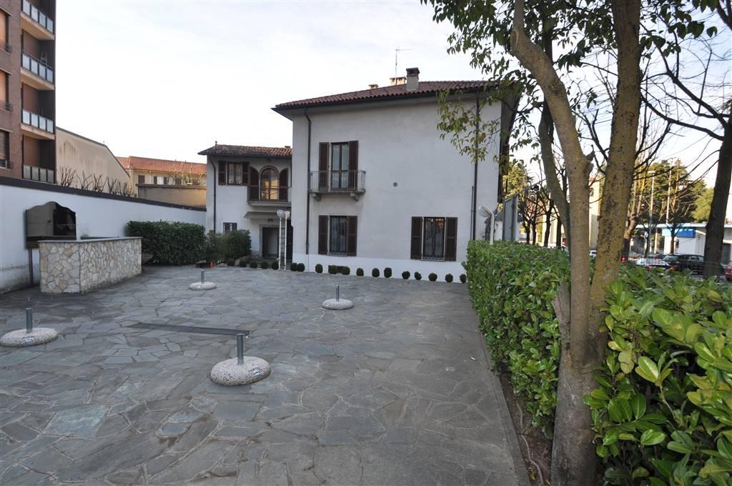 Appartamenti in vendita a Carate Brianza (MB) : BabeleCase