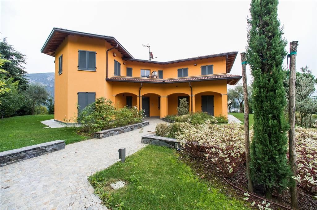 Appartamento a BELLAGIO 2 Vani - Garage - Giardino 1000 Mq