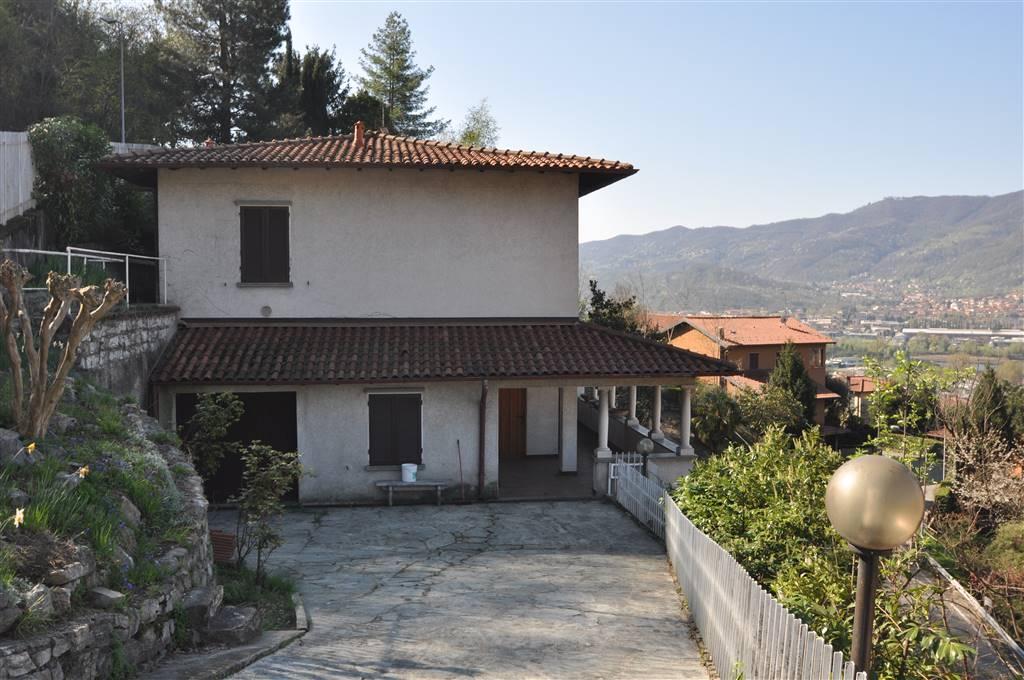 Villa a CALOLZIOCORTE