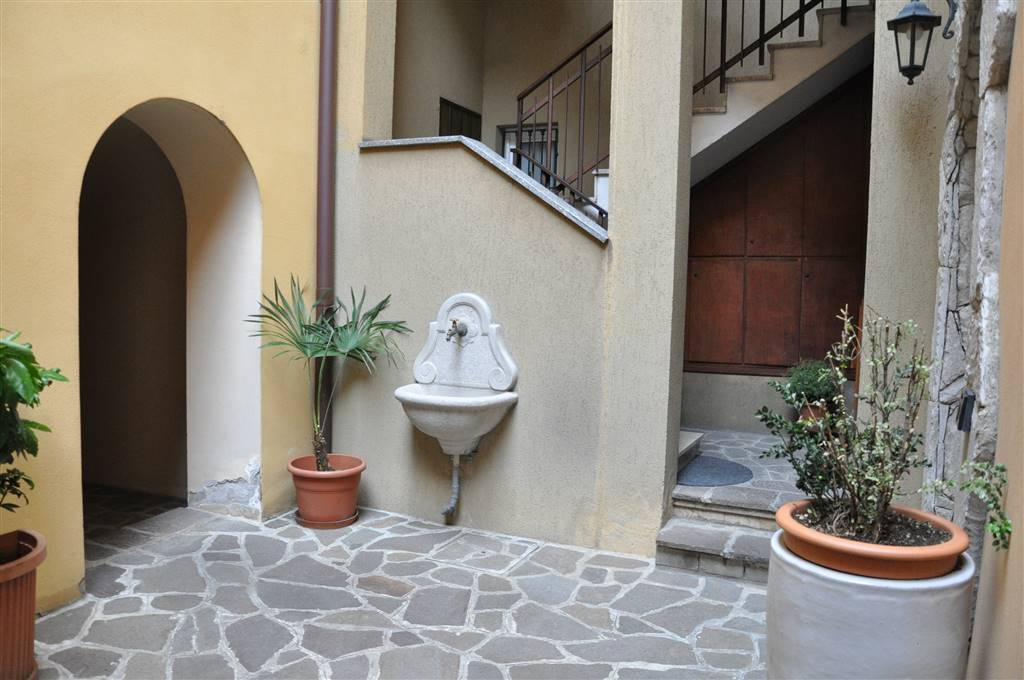 Appartamento a LECCO 140 Mq | 5 Vani | Giardino 500 Mq