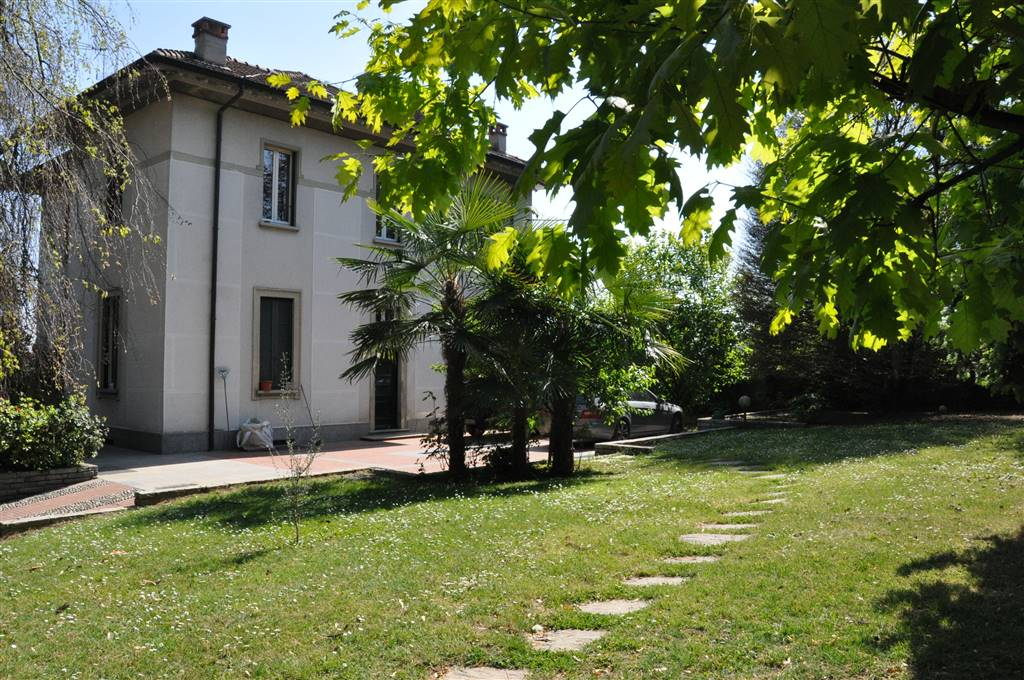 Villa a MISSAGLIA 370 Mq | 6 Vani | Giardino 4000 Mq