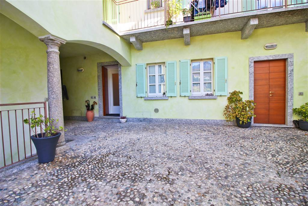 Apartment in LECCO 70 Sq. mt. | 2 Rooms - Garage