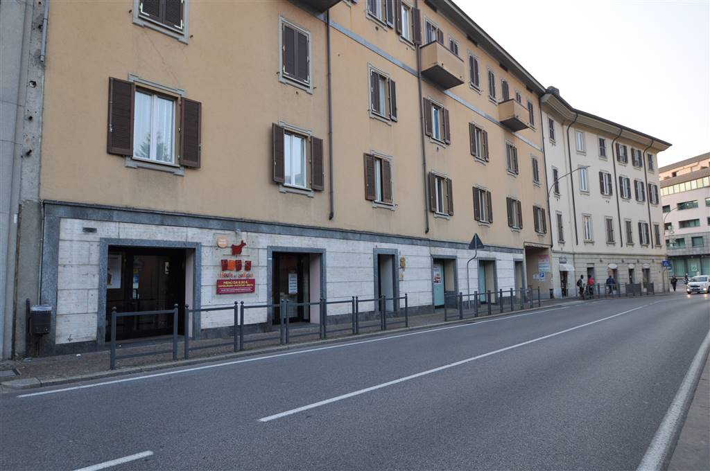 Pizzeria / Pub in LECCO 220 Sq. mt. | 3 Rooms