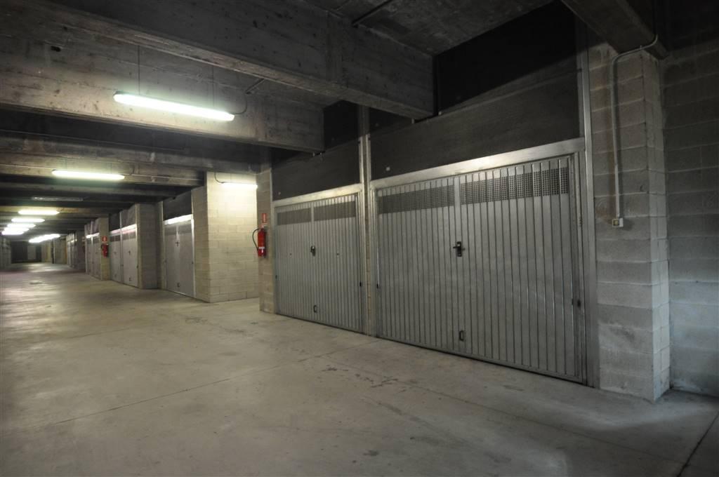 garage-Box-posto auto  in Vendita a Lecco