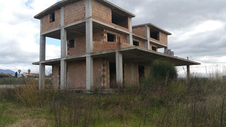 Soluzione Indipendente in vendita a Montecorvino Pugliano, 15 locali, prezzo € 220.000 | CambioCasa.it