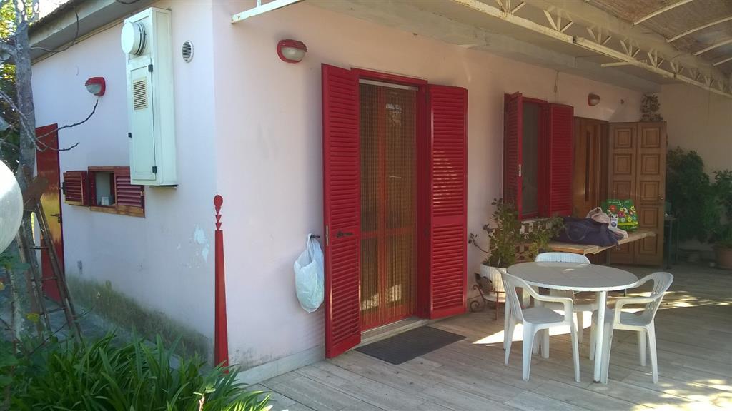 Villa in vendita a Pontecagnano Faiano, 4 locali, zona Zona: Pontecagnano, prezzo € 185.000 | CambioCasa.it