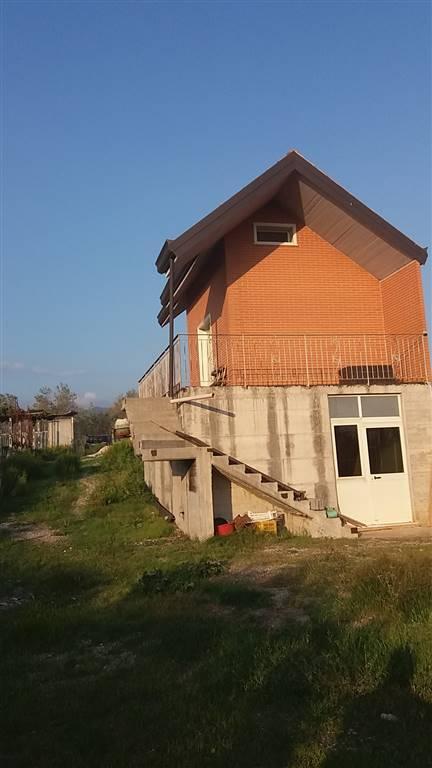 Villa in vendita a Montecorvino Pugliano, 3 locali, zona Località: SAN VITO, prezzo € 120.000 | CambioCasa.it
