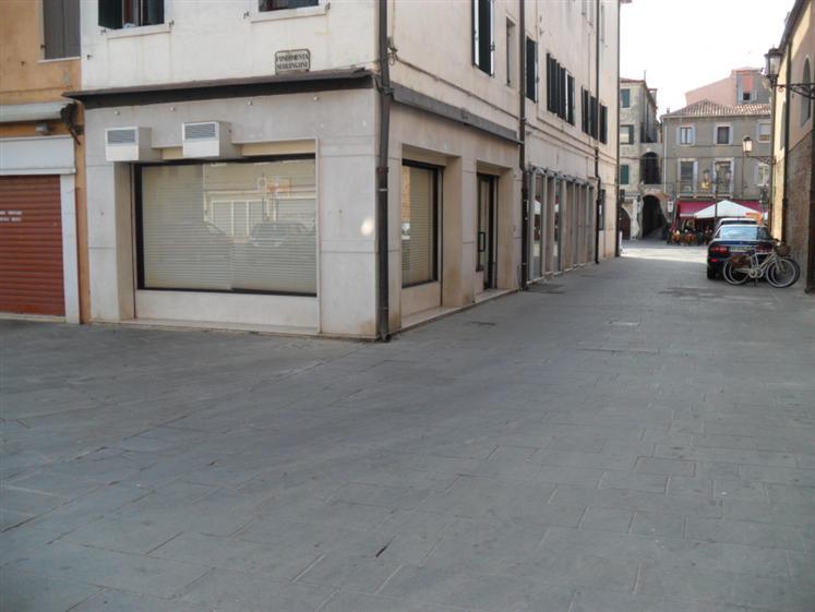 Negozio / Locale in affitto a Chioggia, 1 locali, zona Località: CHIOGGIA CENTRO STORICO, prezzo € 700 | Cambio Casa.it