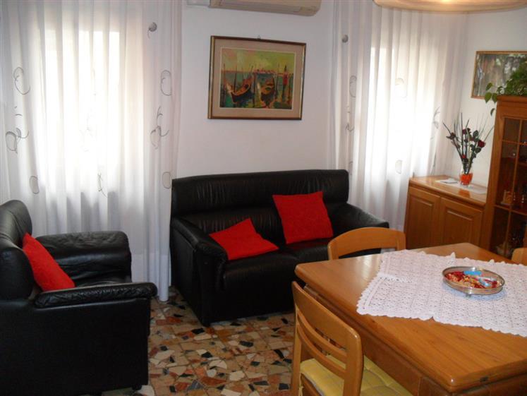 Soluzione Indipendente in vendita a Chioggia, 6 locali, zona Località: CHIOGGIA CENTRO STORICO, prezzo € 190.000   Cambio Casa.it