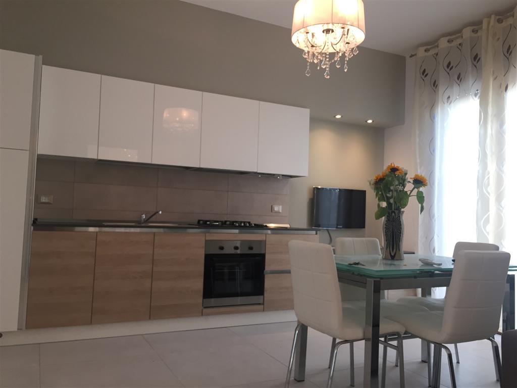 Appartamento in affitto a Chioggia, 2 locali, zona Zona: Sottomarina, prezzo € 500 | Cambio Casa.it