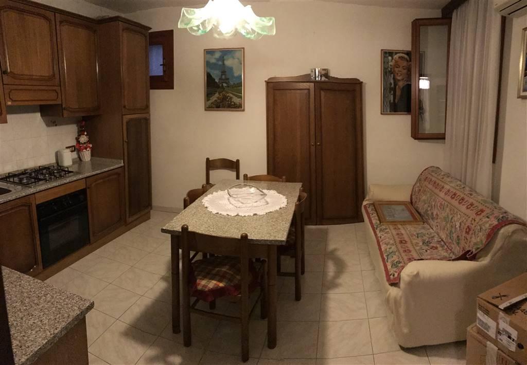 Soluzione Indipendente in vendita a Chioggia, 4 locali, zona Zona: Sottomarina, prezzo € 140.000   Cambio Casa.it