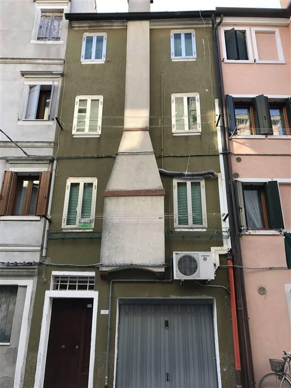 Soluzione Indipendente in vendita a Chioggia, 5 locali, zona Località: CHIOGGIA CENTRO STORICO, prezzo € 115.000   CambioCasa.it