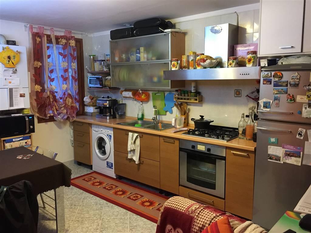 Appartamento in affitto a Chioggia, 2 locali, zona Località: CHIOGGIA CENTRO STORICO, prezzo € 450 | Cambio Casa.it