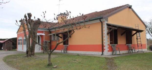 Villa in vendita a Rosolina, 6 locali, zona Località: VOLTO DI ROSOLINA, prezzo € 520.000   Cambio Casa.it