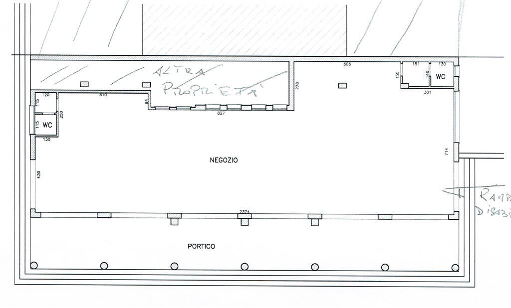 Negozio / Locale in affitto a Chioggia, 2 locali, zona Zona: Sottomarina, prezzo € 3.000 | CambioCasa.it