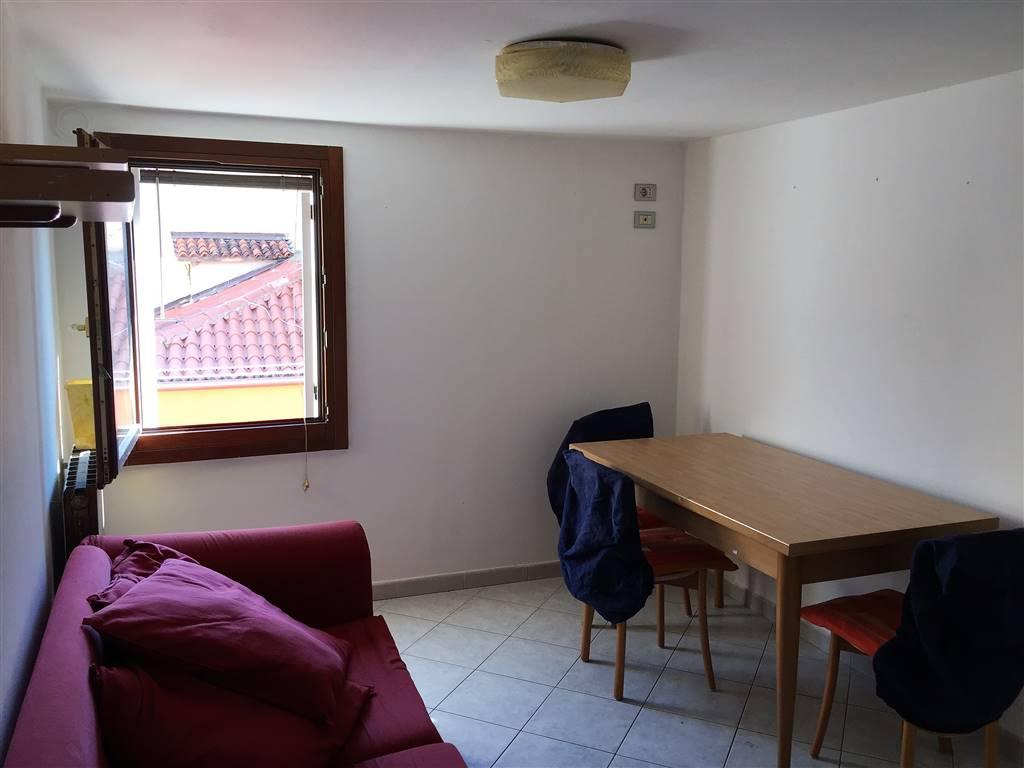 Appartamento in affitto a Chioggia, 2 locali, zona Località: CHIOGGIA CENTRO STORICO, prezzo € 400   Cambio Casa.it