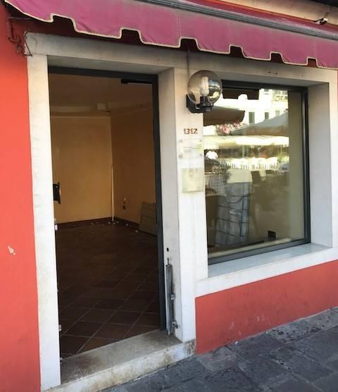 Negozio / Locale in affitto a Chioggia, 1 locali, zona Località: CHIOGGIA CENTRO STORICO, prezzo € 450 | CambioCasa.it