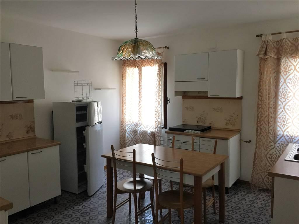 Appartamento in affitto a Chioggia, 4 locali, zona Località: CHIOGGIA CENTRO STORICO, prezzo € 500 | Cambio Casa.it