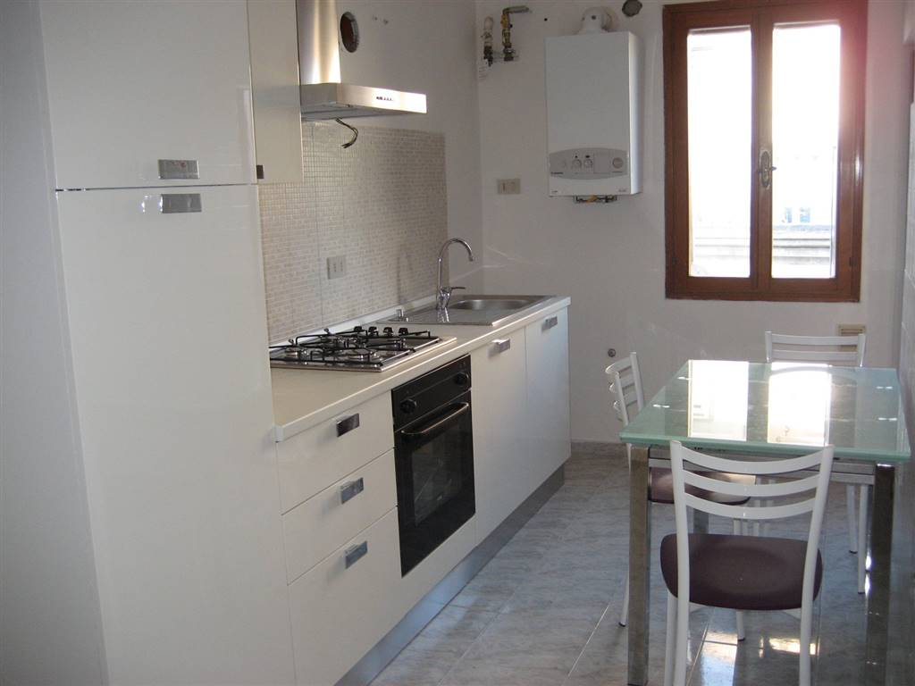 Appartamento in affitto a Chioggia, 4 locali, zona Località: CHIOGGIA CENTRO STORICO, prezzo € 450 | Cambio Casa.it