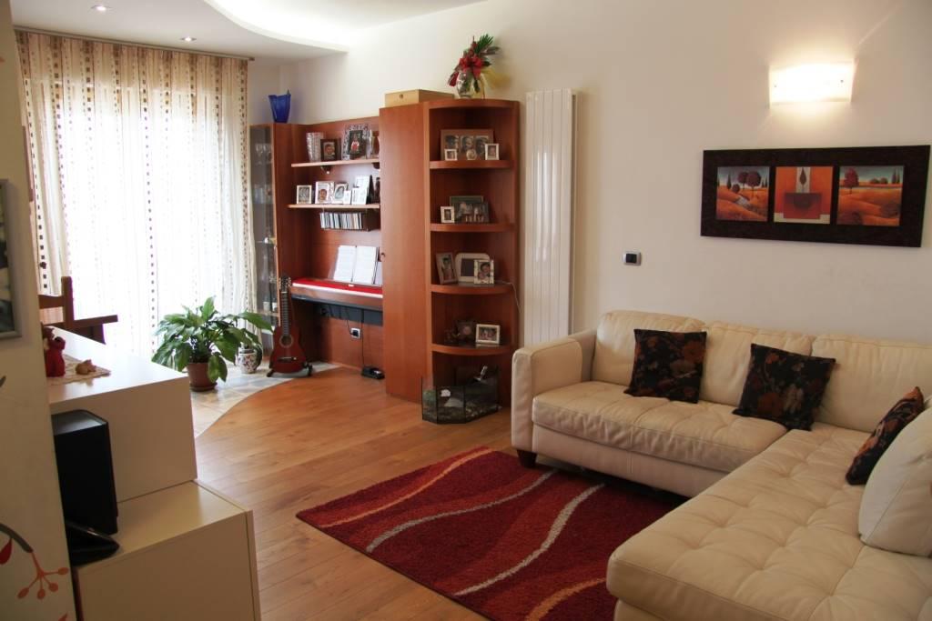 Attico / Mansarda in vendita a Chioggia, 5 locali, zona Località: CHIOGGIA SALONI, prezzo € 230.000   CambioCasa.it