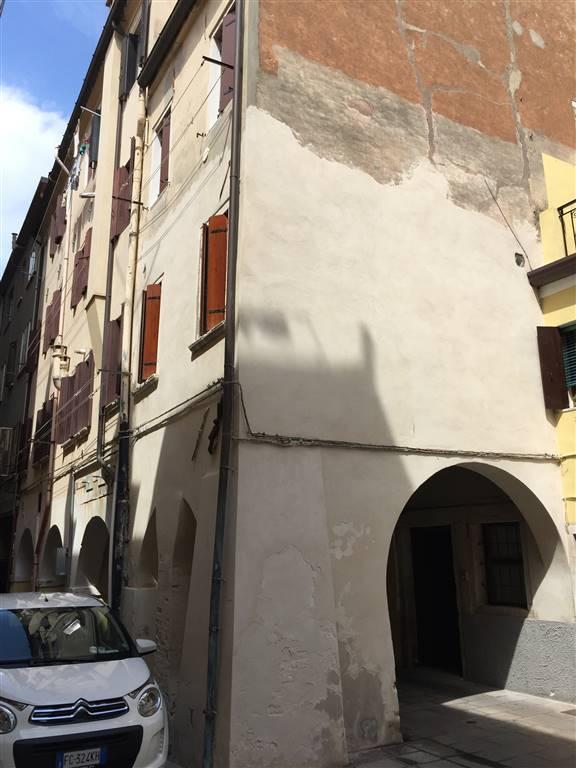Appartamento in affitto a Chioggia, 2 locali, zona Località: CHIOGGIA CENTRO STORICO, prezzo € 450 | CambioCasa.it