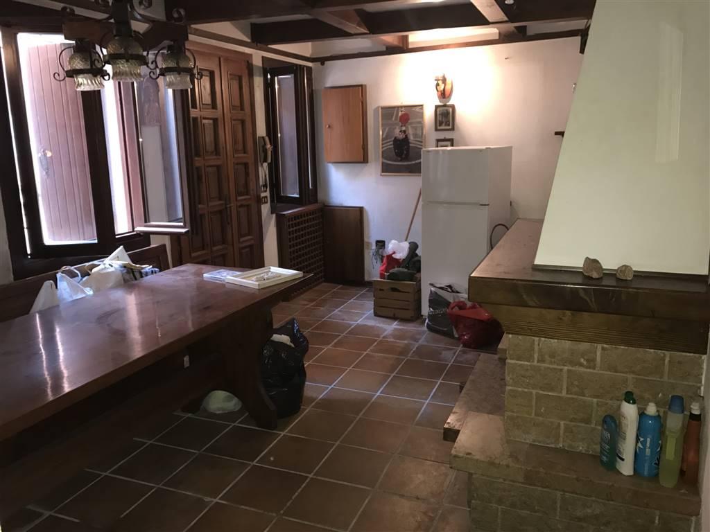 Soluzione Indipendente in vendita a Chioggia, 5 locali, zona Zona: Sottomarina, prezzo € 125.000 | CambioCasa.it