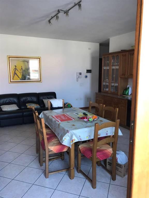Appartamento in vendita a Codevigo, 3 locali, prezzo € 135.000   CambioCasa.it