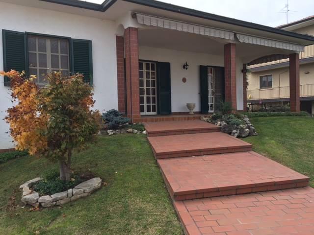 Villa in vendita a Sergnano, 7 locali, prezzo € 283.000 | Cambio Casa.it