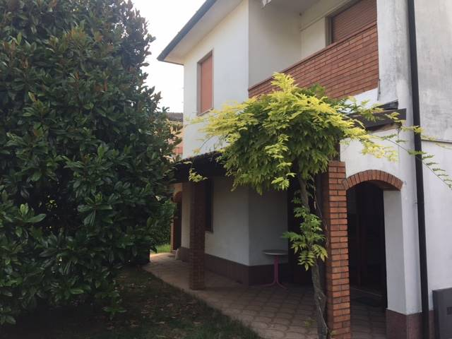 Villa in vendita a Madignano, 4 locali, prezzo € 270.000 | CambioCasa.it