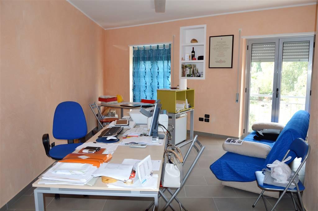 Ufficio / Studio in vendita a Policoro, 3 locali, prezzo € 85.000 | CambioCasa.it