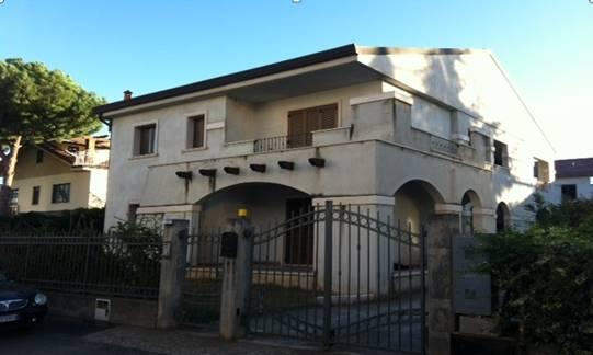 Villa in vendita a Policoro, 12 locali, prezzo € 580.000 | CambioCasa.it