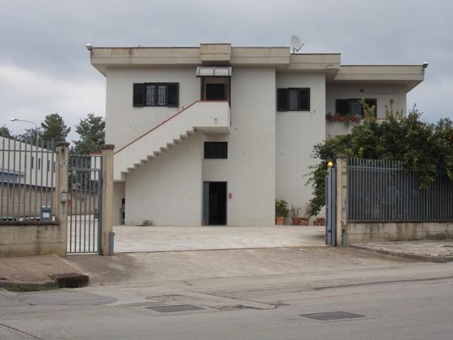 Capannone in affitto a Salerno, 1 locali, zona Località: INDUSTRIALE, prezzo € 4.000 | Cambio Casa.it