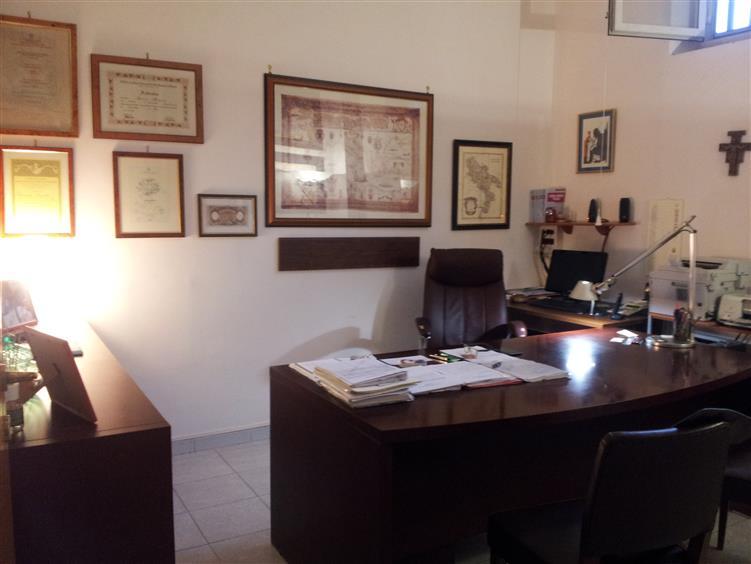 Ufficio / Studio in vendita a Salerno, 3 locali, zona Zona: Irno, prezzo € 140.000 | Cambio Casa.it