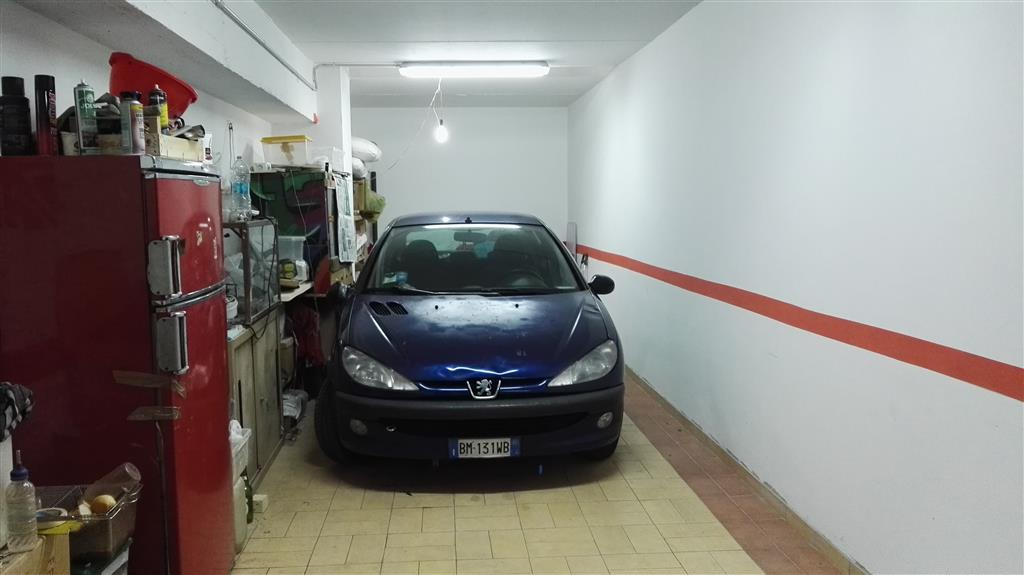 Box / Garage in vendita a Salerno, 1 locali, zona Zona: Centro Storico, prezzo € 65.000 | Cambio Casa.it