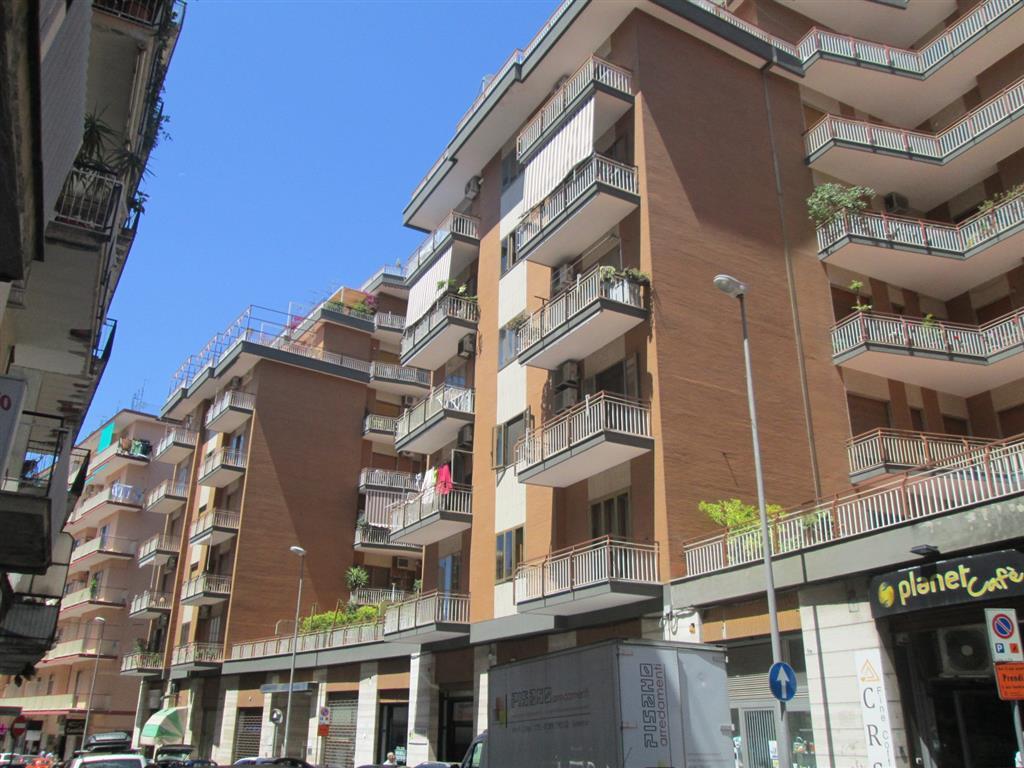 Quadrilocale in Via F. Crispi, Carmine, Salerno