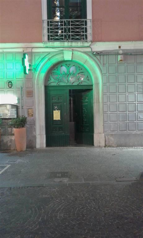Appartamento in affitto a Salerno, 5 locali, zona Zona: Centro, prezzo € 2.000 | CambioCasa.it