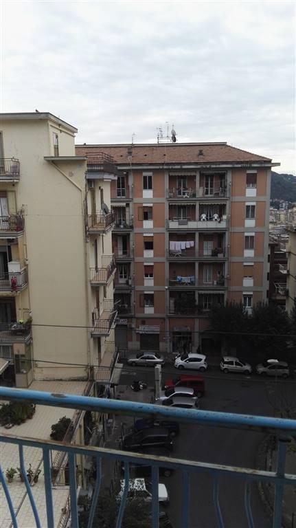 Appartamento in affitto a Salerno, 4 locali, zona Zona: Carmine, prezzo € 700 | Cambio Casa.it