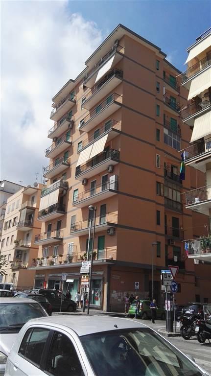 Appartamento in vendita a Castellammare di Stabia, 3 locali, prezzo € 250.000 | Cambio Casa.it