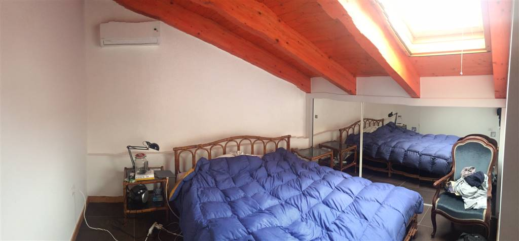 Appartamento in vendita a Salerno, 3 locali, zona Zona: Pastena, prezzo € 160.000   Cambio Casa.it