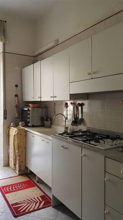 Appartamento in affitto a Salerno, 2 locali, zona Zona: Carmine, prezzo € 500 | Cambio Casa.it
