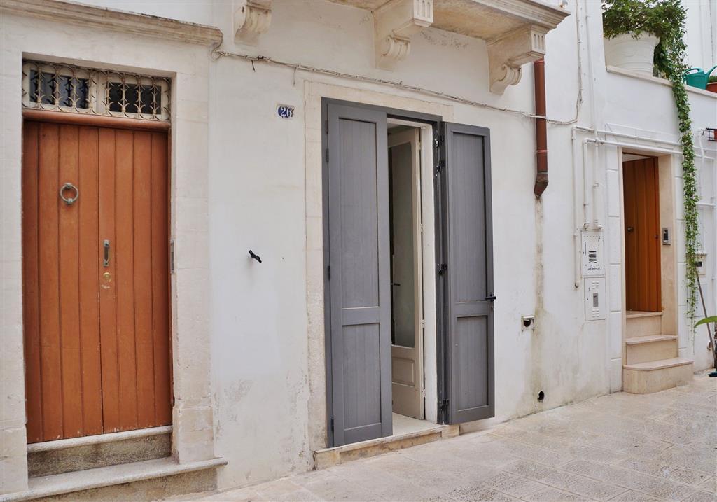 Appartamento in vendita a Martina Franca, 2 locali, zona Località: CENTRO STORICO, prezzo € 35.000 | Cambio Casa.it
