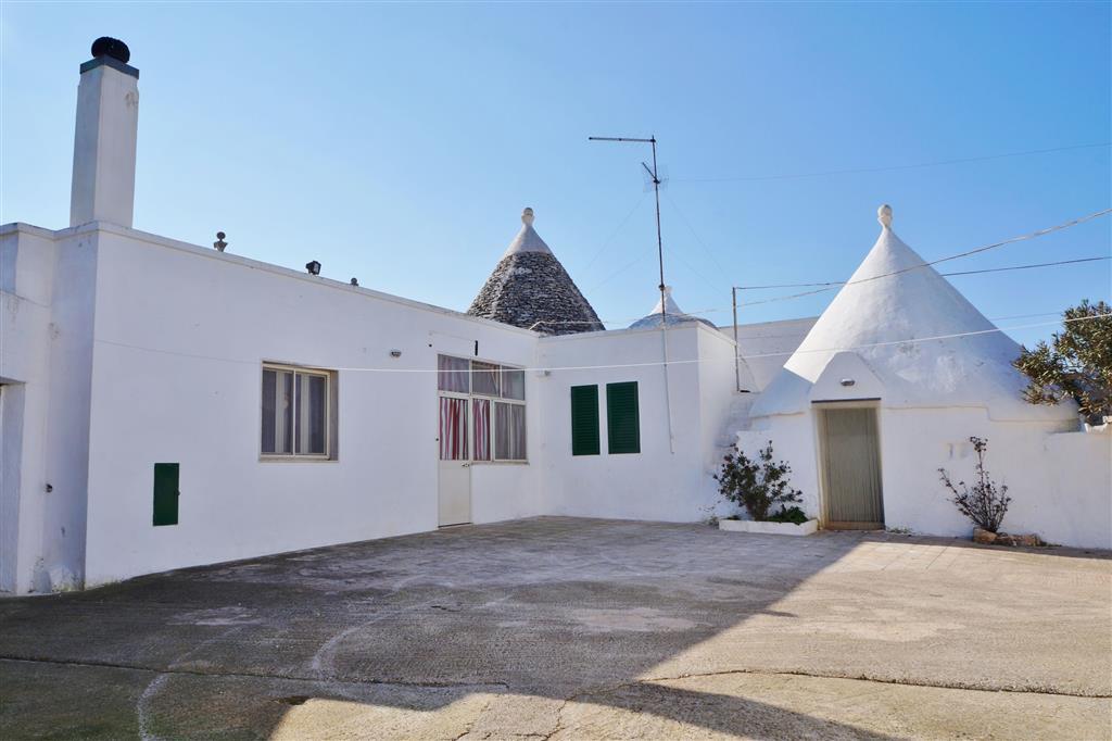 Rustico / Casale in vendita a Martina Franca, 4 locali, zona Località: VIA MOTTOLA, prezzo € 80.000 | Cambio Casa.it