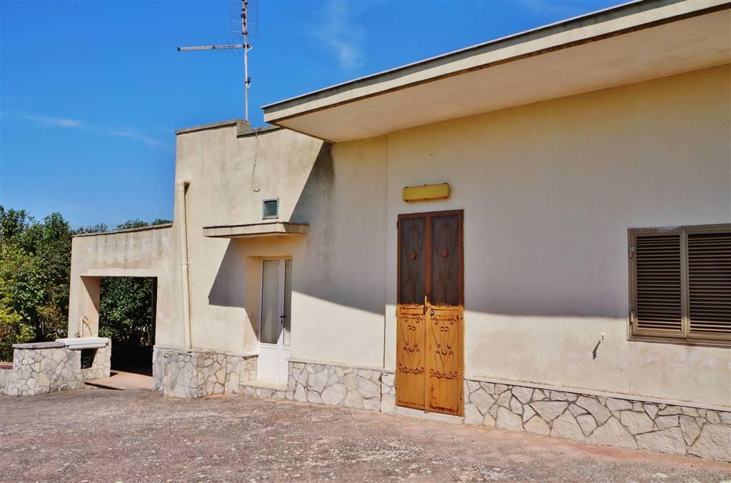 Villa in vendita a Martina Franca, 3 locali, zona Località: VIA MASSAFRA, prezzo € 70.000 | Cambio Casa.it