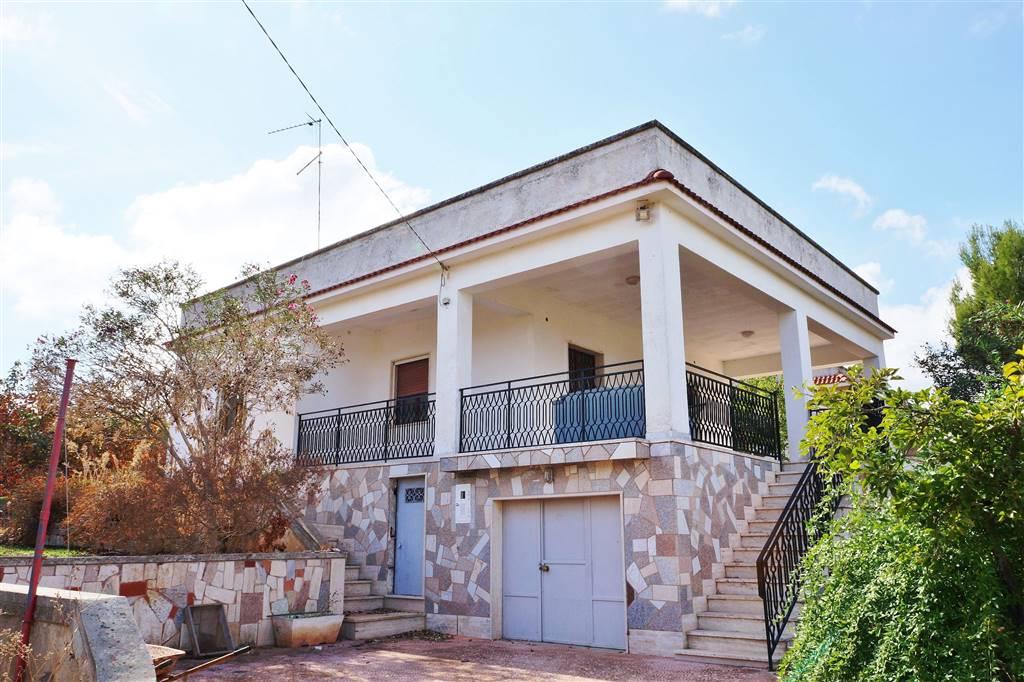 Villa in vendita a Martina Franca, 3 locali, zona Località: VIA CEGLIE, prezzo € 100.000   Cambio Casa.it