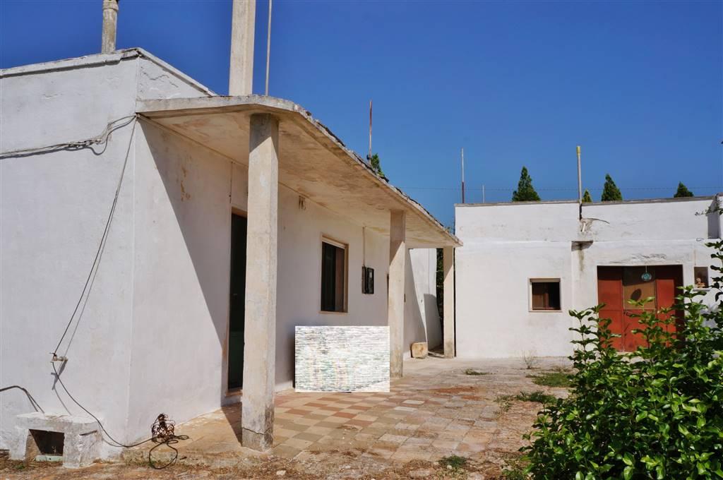 Rustico / Casale in vendita a Martina Franca, 6 locali, zona Località: SAN PAOLO, prezzo € 55.000 | CambioCasa.it