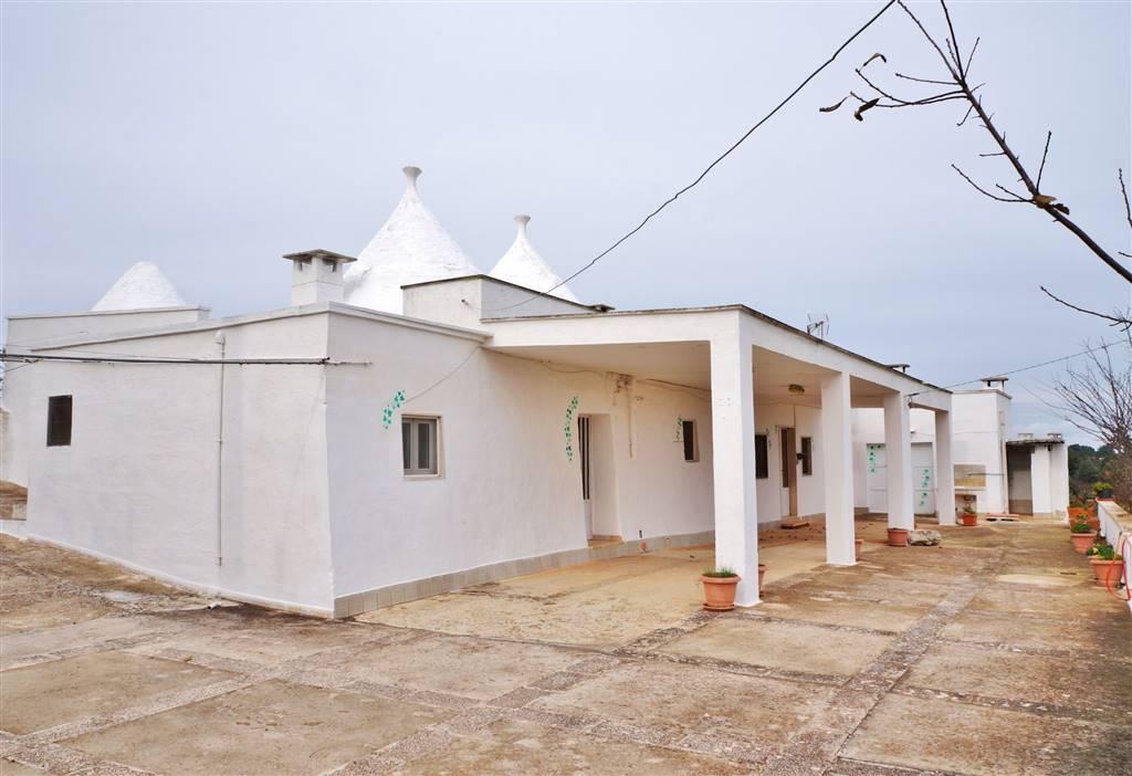 Rustico / Casale in vendita a Martina Franca, 8 locali, zona Località: PARETONE, prezzo € 155.000 | Cambio Casa.it