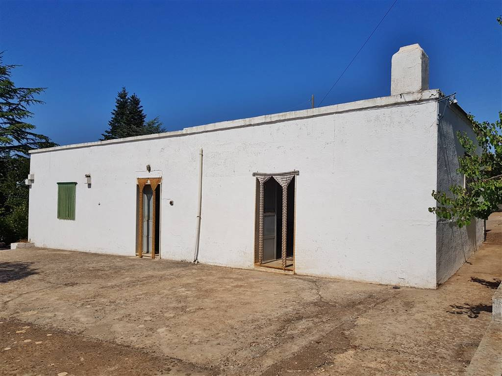 Rustico / Casale in vendita a Martina Franca, 3 locali, zona Località: VIA MASSAFRA, prezzo € 63.000 | CambioCasa.it