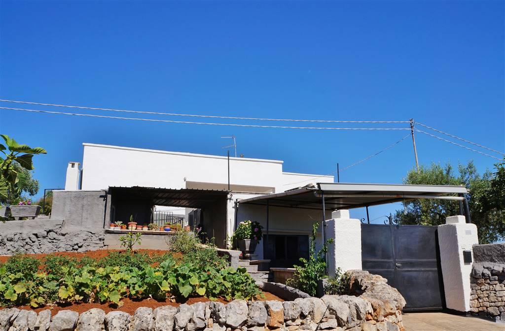 Villa in vendita a Martina Franca, 5 locali, zona Località: VIA CEGLIE, prezzo € 70.000 | CambioCasa.it